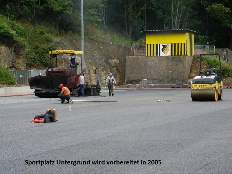 2005-Kunstrasenplatz2