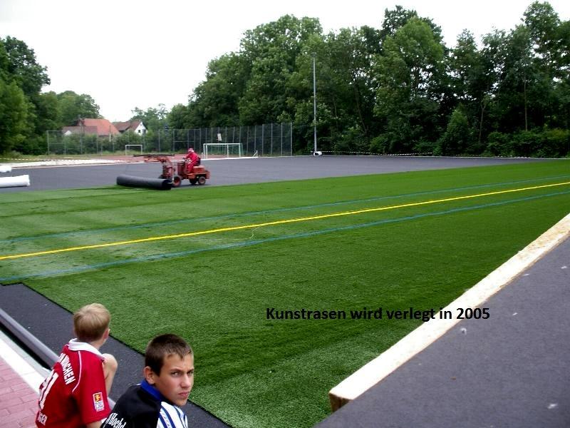 2005-Kunstrasenplatz9